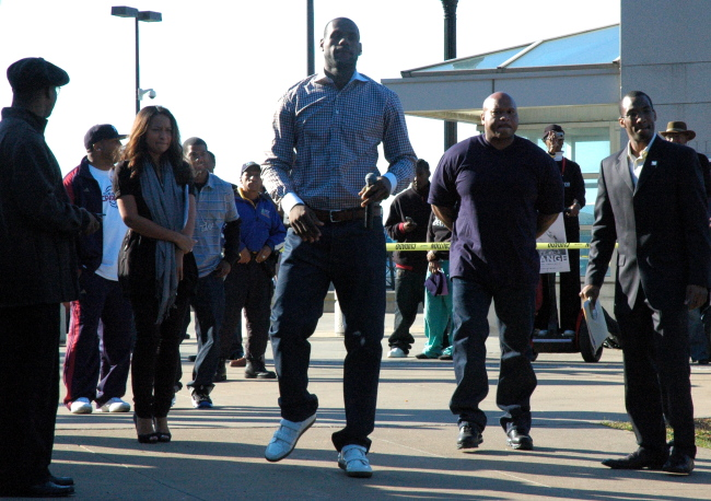 LeBron James arriving at Russell Simmons Super Jam Get Out The Vote Rally for Obama, Cleveland Ohio