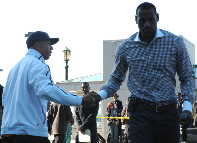 LeBron James leaving Russell Simmons at Russell Simmons Super Jam Get Out The Vote Rally for Obama, Cleveland Ohio